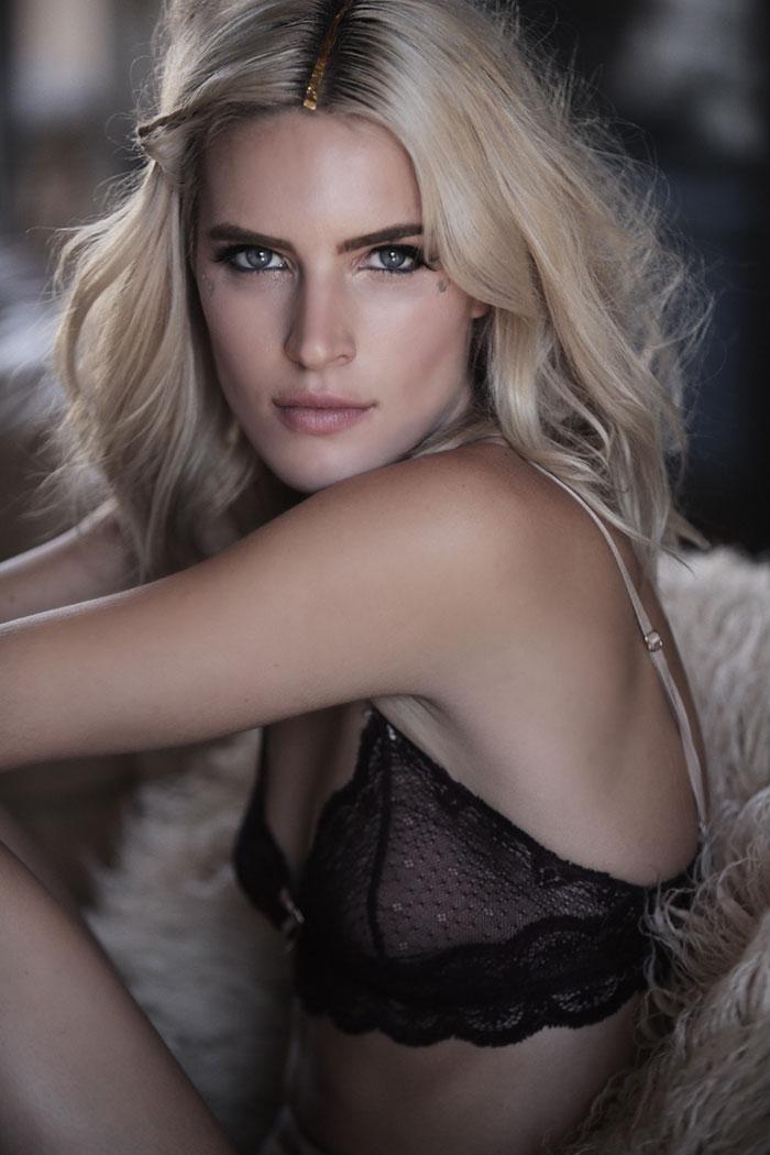 Chloe Holmes naked 47